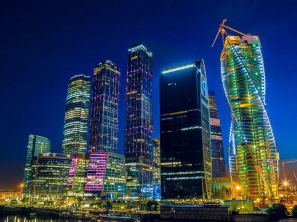 Применение фасадного остекления на объекте Москва сити