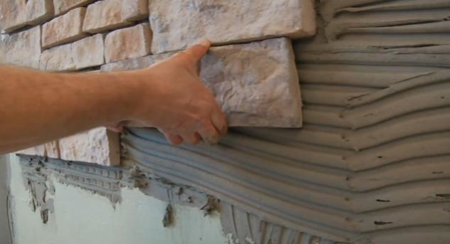 Установка камня на клеевую основу