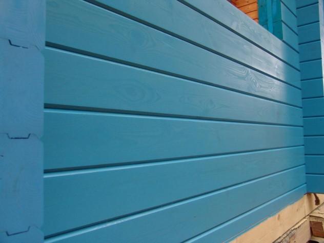 Отделка стены масляной краской