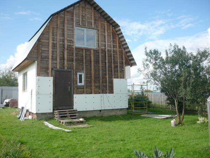 утепление деревянного дома пенопластом помогает сэкономить