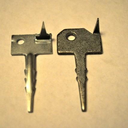 металлическое крепление для планкена Ключ