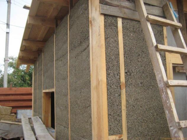 Каменная минеральная вата на деревянном доме