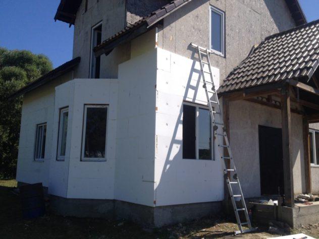 установка пенопласта на наружные стены