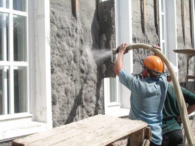Профессиональное нанесение эковаты на фасад