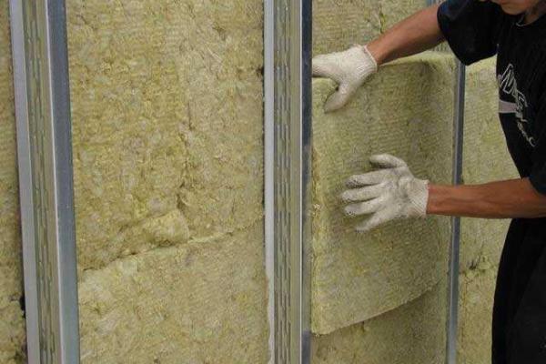 минеральная вата, является самым распространенным материалом при отделке вентилируемым способом