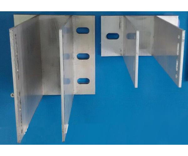 Усиленные кронштейны, используются при межэтажным креплении системы