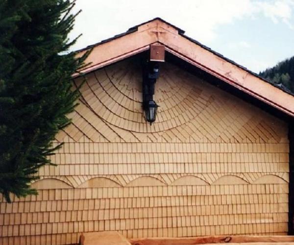 Шиндель или дранка как черепица на фасада