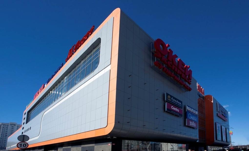 Композитные панели в качестве облицовки торгового центра