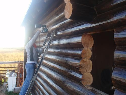 лакированный деревянный фасад