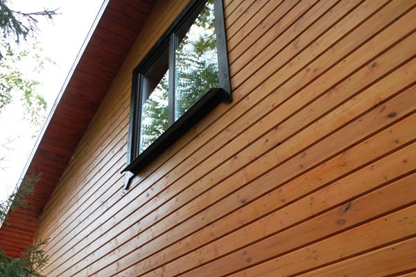 Имитация бруса из дерева  на фасаде