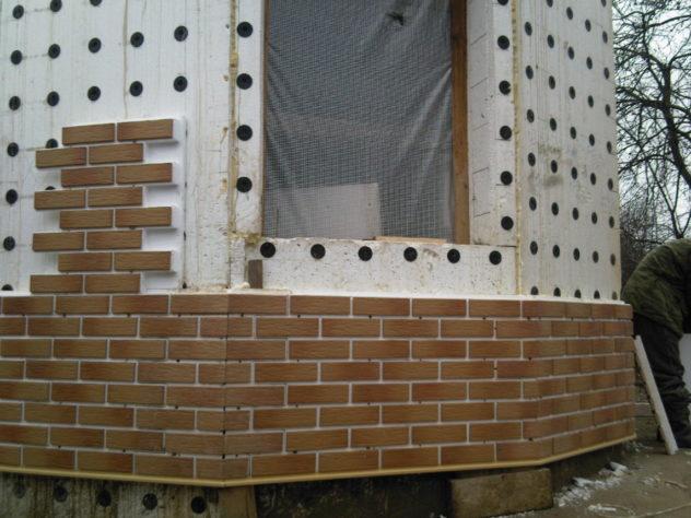 крепление фасадных панелей на стену без каркаса