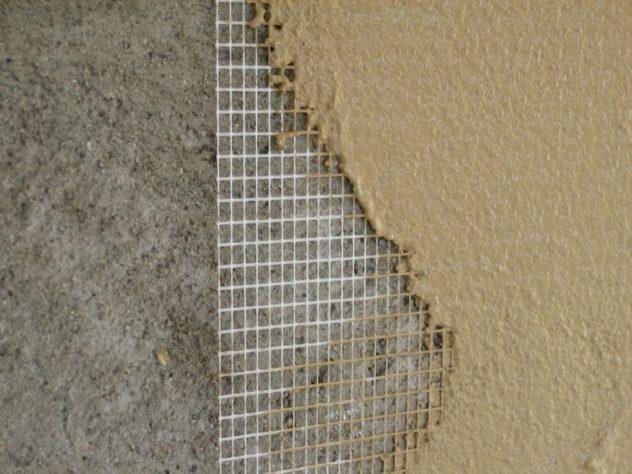 Нанесение декоративного финишного слоя на армирующую сетку