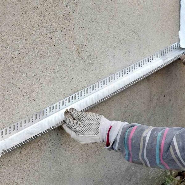 установка стартовой планки чтобы фиксировать плиты утеплителя