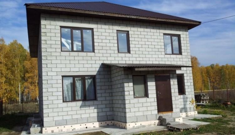 Дом из пеноблоков, нуждающийся в утеплении современными способами