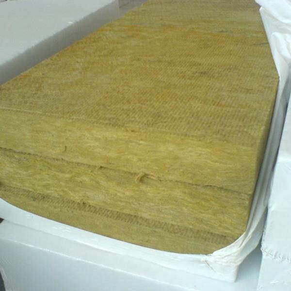 листы минеральной ваты в упаковке