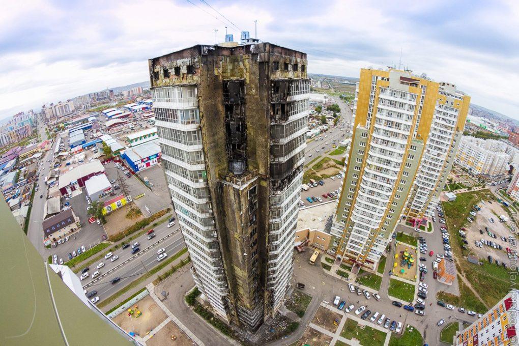Обгоревший вентилируемый фасад в Красноярске